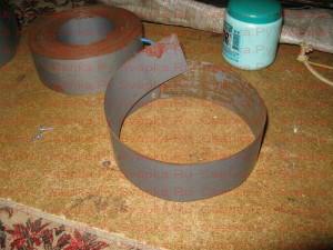 Укладка пластин второго кольца трансформатора.