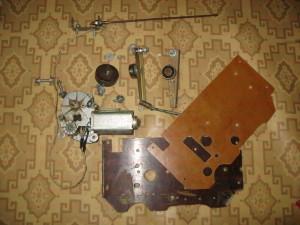 Подготовительный этап сборки механизма подачи сварочной проволоки