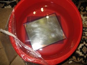 Позиционирование фоторезиста на печатной плате под холодной водой